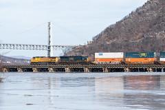 CSX Q161 @ Bear Mountain, NY (sullivan1985) Tags: railroad bridge ice up frozen bearmountain unionpacific hudsonriver orangecounty csx freighttrain hudsonvalley bearmountainbridge westshore csxt