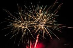 Plein feu sur la Saint-Jean 2016 (Yasur.sur.Flickr) Tags: party canada night 50mm nikon fireworks lumire firework celebration qubec d750 festivity fte festivities nuit nocturne obscurit feudartifice yasur blainville feuxdartifices saintjeanbaptiste clbration festivits festivit parcmauricetessier