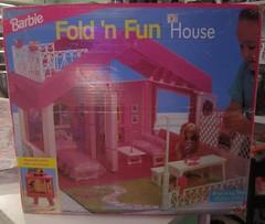 Barbie Fold 'n Fun House (wpnschick) Tags: mattel barbiehouse barbiefoldnfunhouse