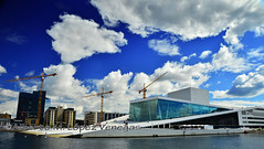 20160611_2041e (chupoptero) Tags: sky oslo norway opera bluesky polarized operahuset oslooperahouse