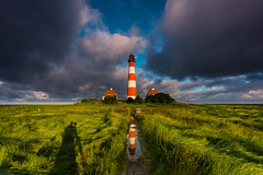 morning light (jwfoto1973) Tags: shadow lighthouse reflection clouds germany deutschland wiese wolken schatten spiegelung leuchtturm westerhever westerheversand verlaufsfilter seegraswiese