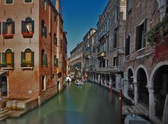 Streets of Venice (neya25) Tags: venedig venezia venice italien italia italy water olympusomdem10 mzuiko 918mm longexposure ndfilter graufilter langzeitaufnahme