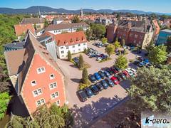 YUN00070 (daniel kuhne) Tags: luftbild luftaufnahme rinteln weserstadt innenstadt parkplatz rathaus museum eulenburg panorama yuneecq5004k dng raw