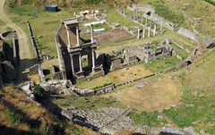 Volterra - 2 (anto_gal) Tags: italia toscana pisa volterra 2016 citt teatroromano rovine