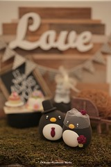 Penguins MochiEgg wedding cake topper (charles fukuyama) Tags: wedding weddingcaketopper cute animalscaketopper customcaketopper handmadecaketopper ceremonybackdrop rusticwedding outdoorwedding kikuike claydoll sculpted miniature dollhouse cakedecor giftideas mariage boda hochzeit