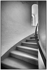 Im Turm (Panasonikon) Tags: panasonikon bw nikond7100 sigma1020 treppe stufen turm architektur fenster weitwinkel