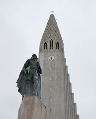 Leif Erikson at Hallgrmskirkja (AndreaVDB) Tags: expressionist church arquitecture reykjavik iceland