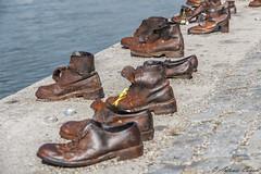 Monumento Scarpe degli ebrei sul Danubio (antonio.canoci) Tags: monumento scarpe degli ebrei sul danubio 100d 1585usm canon budapest ungheria