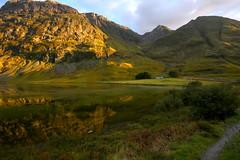 Loch Achtriochtan (Shey Braoinn) Tags: loch achtriochtan glencoe a82 scotland landscapes reflection water ripple settingsun evening oct2016 breen