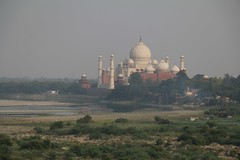 Agra, vue sur le Taj Mahal depuis le fort rouge (ch.harster) Tags: india agra inde redfort fortrouge