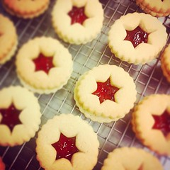 """Mini Festive Linzer Cookie #PunchBowl #HamOnt #Homestyle #LinzerCookie #Baking #Bakery #AllPurposeFlour #Luxury #ShopLocal #CountdownToChristmas #Cookies #ChristmasBaking #Christmas #Sweets #Festive #goodfoodmatters #RaspberryJam #CountryMarket #Sweets • <a style=""""font-size:0.8em;"""" href=""""http://www.flickr.com/photos/129307582@N07/15780650251/"""" target=""""_blank"""">View on Flickr</a>"""