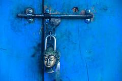 19__JZM6346.jpg (David Ducoin) Tags: door blue nepal asia head lock buddha buddhist religion souvenir himalaya padlock bouddhism