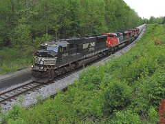 NS 2622, CN 8907, 2706, 8828 (Trains & Trails) Tags: railroad train diesel ns engine transportation locomotive dunbar norfolksouthern swp fayettecounty emd sd70m widecab bowest southwestpennsylvaniarailroad