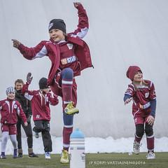 1604_FOOTBALL-135-2 (JP Korpi-Vartiainen) Tags: game girl sport finland football spring soccer hobby teenager april kuopio peli kevt jalkapallo tytt urheilu huhtikuu nuoret harjoitus pelata juniori nuori teini nuoriso pohjoissavo jalkapalloilija nappulajalkapalloilija younghararstus