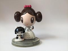 Princess Leia Lolligag (Lolligag World) Tags: starwars princessleia arttoy moot customvinyl lolligag vivelalolligag toycustomart