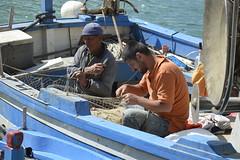 Castellammare del Golfo: il vecchio e il giovane (costagar51) Tags: italy italia mare arte natura sicily sicilia trapani storia castellammaredelgolfo anticando