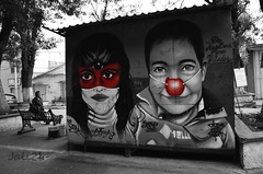 UnaTristeSonrisa (Azrael Acosta) Tags: street red blackandwhite bw monochrome smile grafitti child streetphotography sonrisa puebla monocromatico mxico
