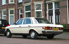1984 Mercedes-Benz 300 D (W123) (rvandermaar) Tags: 1984 mercedesbenz 300 d w123 mercedesbenzw123 mercedesbenz300d mercedesw123 mercedes300d sidecode4 kk06zv rvdm