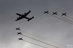0D6A9456 - Formation (Stephen Baldwin Photography) Tags: wings over australia super formation nsw lockheed raaf constellation illawarra roulettes 2016