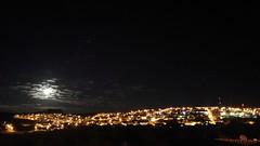 no cair da noite (Rodrigo Alceu Dispor) Tags: city sky moon tree minas mg noite cair paraguau