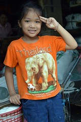 pretty girl in an elephant shirt salutes you (the foreign photographer - ) Tags: elephant girl shirt portraits canon thailand kiss pretty bangkok salutes khlong bangkhen thanon 400d