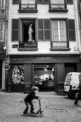 Rue Poissonnerie. (Txipi Art'z) Tags: street city bw white black shoot fuji candid streetphotography social human instant streetphoto monochrom xsries x100t