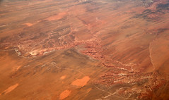 2016_06_02_lax-ewr_458 (dsearls) Tags: river utah flying desert aviation united country canyon aerial erosion rivers geology ual canyons arid aerialphotography jurassic stratigraphy unitedairlines windowseat windowshot weathering 20160602