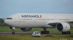 B777-328ER (Maxime C-M ) Tags: from paris airplane photography nikon photographie martinique taxi aircraft boeing af arrival nikkor heavy spotting orly airfrance arrive b777 fdf afr madinina roulage d3200 tfff b77w 55300mm fgsqp af842
