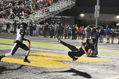 "TD catch against Franklin. Senior year. 10.6.16 • <a style=""font-size:0.8em;"" href=""http://www.flickr.com/photos/38444578@N04/29668742854/"" target=""_blank"">View on Flickr</a>"
