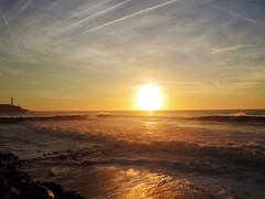 Just. - Tan solo. (Poldarkk) Tags: only sea sky sun anglet sunset aquitaine france solitude arte art