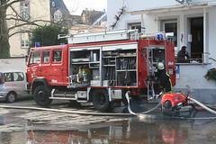 Wohnhausbrand in Winningen / Mosel ( RLP) (Combat-Camera-Europe) Tags: brand feuerwehr ffw freiwilligefeuerwehr einsatz winningen freiwilligefeuerwehrwinningen feuerwehrwinningen