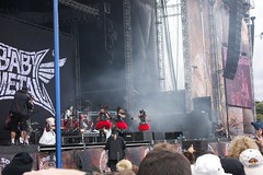 Baby Metal @ Sonisphere Festival, Knebworth 05/07/2014 (DG Jones) Tags: school music metal dancing july saturday heavymetal idol schoolgirls hertfordshire knebworth countryhouse cutesy ヘビ babymetal sumetal sakuragakuin moametal yuimetal newbornmetal vocalanddancegroup ベビ 君とアニメが見たい moakikuchi suzukanakamoto 黒い夜 amusetalent dgjphotographysonisphere yuimizuno ギミチョコ