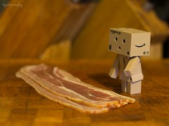 Danbo's Friend? (Jackie XLY) Tags: food canon fun pig bacon funny salt mini pork eat snack laugh bo adventures kaiyodo baconsandwich danbo 600d revoltech danboard minibo canon600d minidanboard revoltechdanboardmini minidanbo adventuresofdanbo revoltechkaiyodo revoltechkaiyododanboardmini adventuresofbo adventuresofdanboard