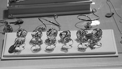 jewellery stall, festive market 01 (byronv2) Tags: street blackandwhite bw monochrome night blackwhite edinburgh market princesstreetgardens princesstreet stall christmasmarket jewellery mound newtown nuit streetmarket edimbourg jewelleryshop edinburghbynight jewellerystall festivemarket