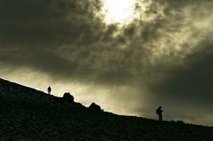 Haciendo cumbre (niripla) Tags: luz clouds nubes montaa palencia rebanaldelasllantas
