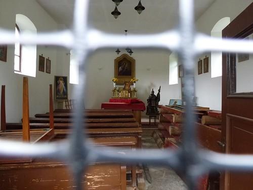 Wnętrze kaplicy we Wrzosówce