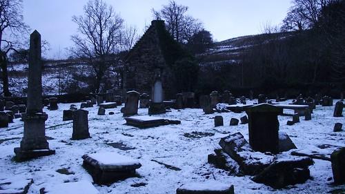 St Machan's kirkyard, winter 07