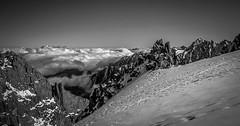 Horizon Matinal (Frdric Fossard) Tags: nature montagne alpes altitude horizon glacier ciel neige nuage paysage rocher alpinisme hautesavoie crtes merdenuage massifdumontblanc artes
