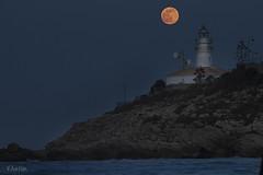 Luna llena en el faro de Cullera. (:) vicky) Tags: valencia canon luna cullera comunidadvalenciana photopills vickyepla flickrvicky