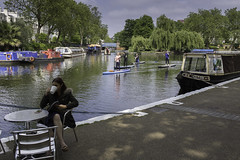 A quiet place in London (Christian Wilt) Tags: londres angleterre royaumeuni gb london uk littlevenice canal trees boats paddle summer
