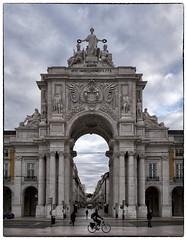 Arco da Rua Augusta (chabish123) Tags: portugal fuji cloudy lisbon da augusta nik rua arco lightroom colorefexpro xpro2 viveeza