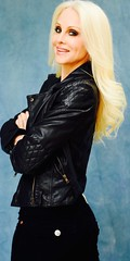 Producer Donna Spangler in black leather jackett (donnaspangler) Tags: christmas hills beverly producer donnaspanglerproducer donnaspanglerbeautyexpert donnaspangleractress beverlyhillsbarbie producerindiefilmsdonna hottesttrophywives2016