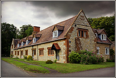 Almshouses, Leamington Hastings (Jason 87030) Tags: houses stone architecture buildings village hill august warwickshire 2011 almshouses warks