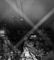 Death of a Bookstore (Aaron Webb) Tags: bw closed lexington kentucky bookstore lexingtonky outofbusiness