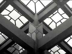 Arquitectura (MauroLaScalea) Tags: blackandwhite bw film architecture analog 35mm minolta kodak venezuela grain caracas 400 newbie amateur 58mm analogphotography minoltasrt101 beginner rokkor