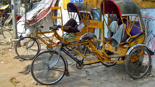 India - Tamil Nadu - Chennai - Streetlife With Cycle Rickshaws - 26