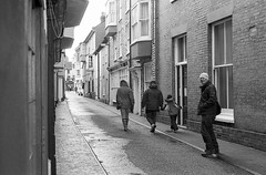 Waiting for a straggler (Nodding Pig) Tags: cromer north norfolk england greatbritain uk 2016 jettystreet 20160215009101 film scan monochrome 35mm ilford hp5 nikonfm2 nikkor50mm eastanglia