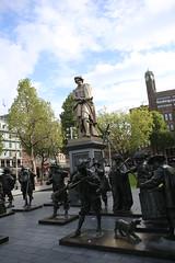 IMG_1110 (AndyMc87) Tags: amsterdam rembrandt plein sky cloud statur soldier rembrandtplein nachtwache tree flag