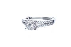 Split Shank Diamond Ring (Jemlnlx) Tags: 3 macro canon eos engagement mark iii halo 100mm ring diamond rings 5d usm split product setting f28 ef shank zales
