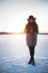Ida (MikkoPylkko) Tags: winter sunset portrait snow cold tlr girl suomi finland 50mm nikon nikkor tampere afs yashicaflex d3s